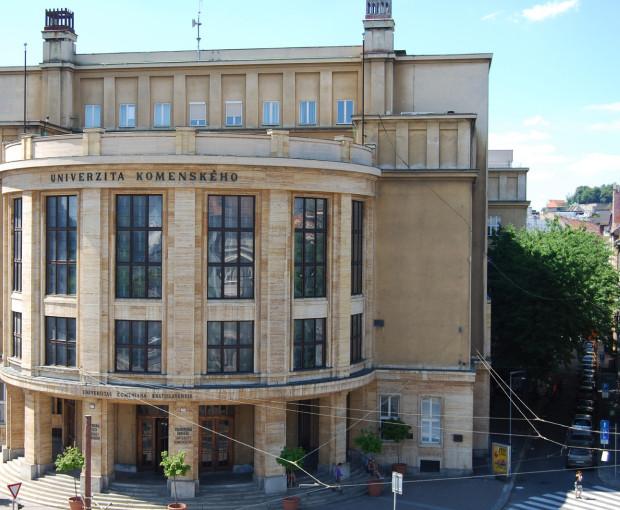 История Университет Коменского в Братиславе